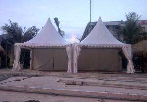 Sewa tenda untuk Natal dan Tahun baru